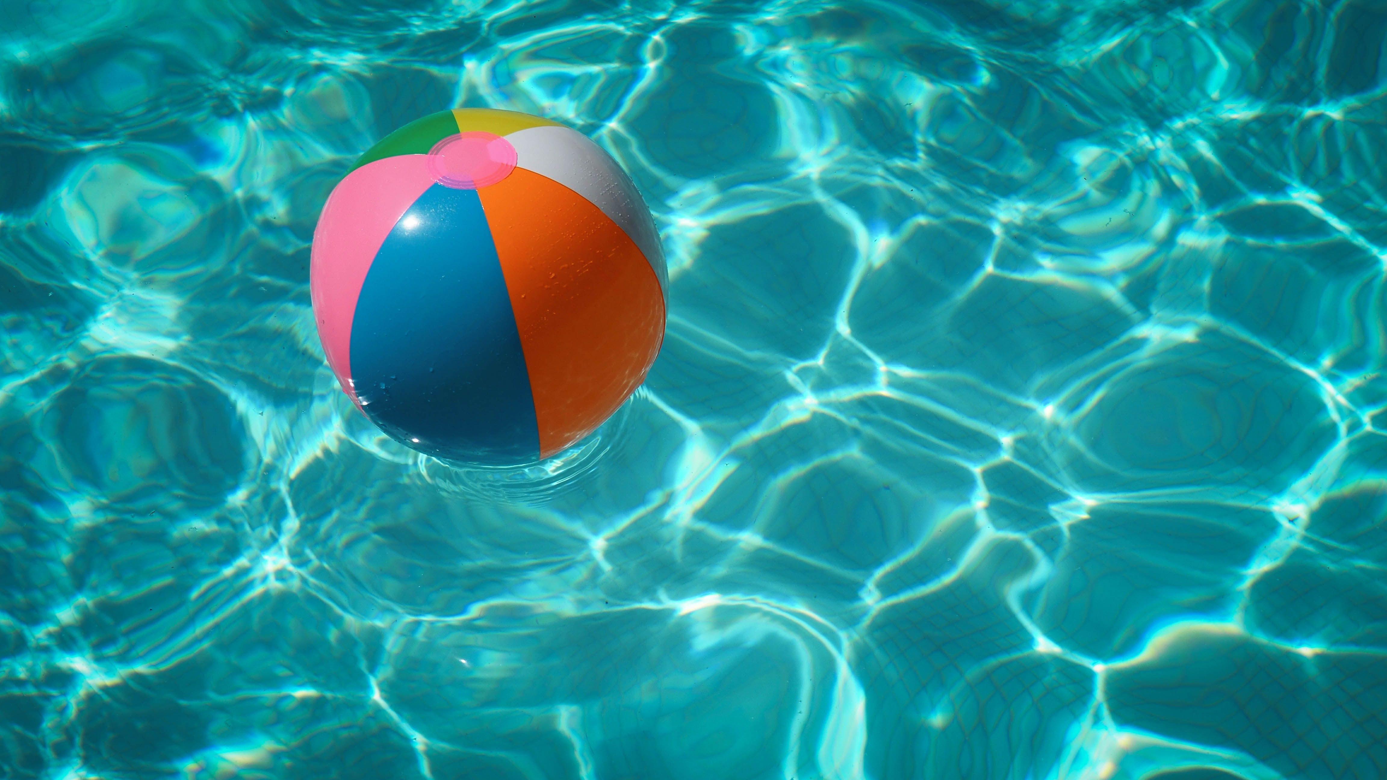 Epilepsia en verano: ¿qué precauciones tomar en la playa o piscina?